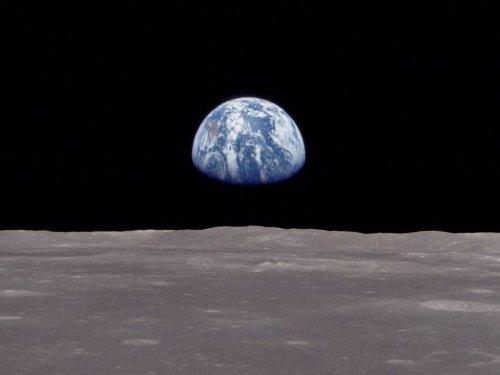 earthrise-1-1myztsb